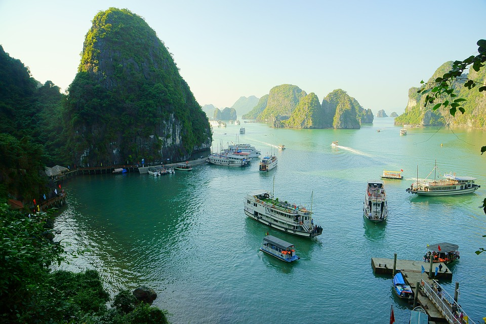 Best SIM Card for Vietnam - Halong Bay
