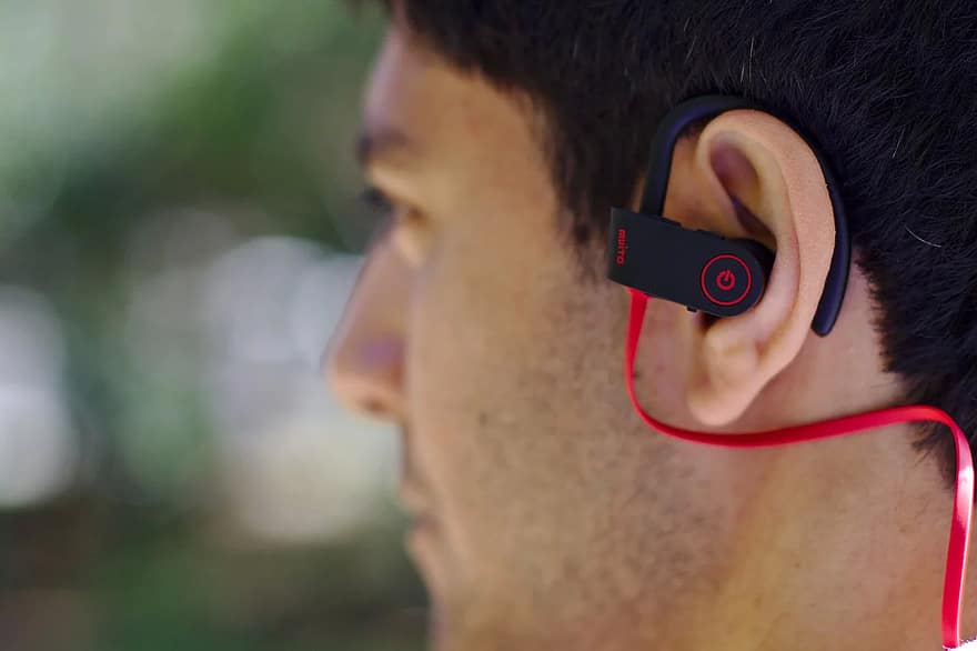 The Best Mini Bluetooth Headset A Buyer S Guide Sim Tourist